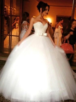 Blanc Tulle Col en coeur Robe de bal Longueur Sol Robes de mariée